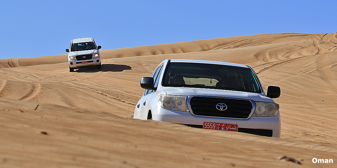 4wd-Wahiba-sands-oman-happy-lama-travel