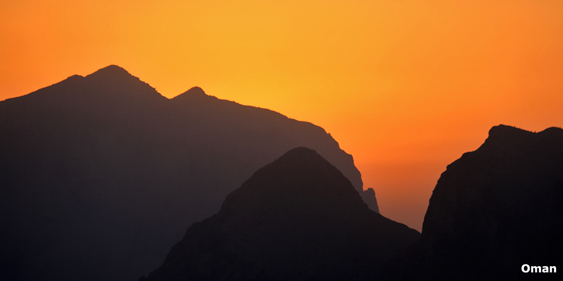 Jebel-Shams-Sunset-Oman-Happy-Lama-Travel
