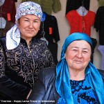 ladies-selling-clothes-ferghana-market-uzbekistan